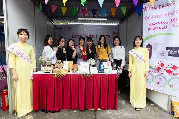 Phiên Chợ Công Nhân - Sao Thái Dương Thu Hút Hàng Ngàn Người Lao Động