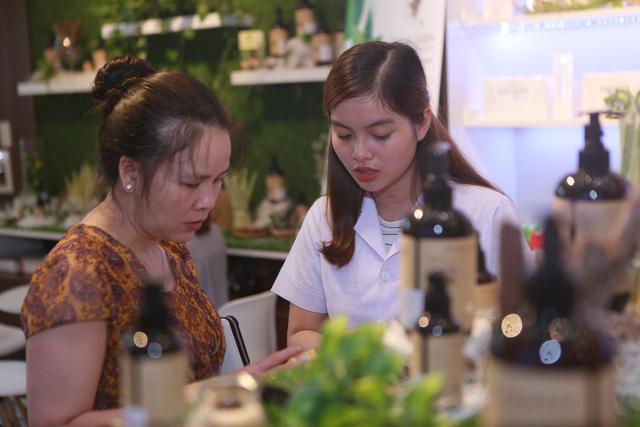 Nature Queen Vinh Dự được chọn là quà tặng đầu xuân cho toàn thể Kiều Bào sinh sống tại Việt Nam