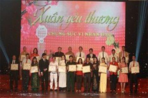 Sao Thái Dương-Chung tay vì mùa xuân yêu thương 2014